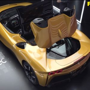 Ferrari SF90 Spider Retractable Hard Top Function