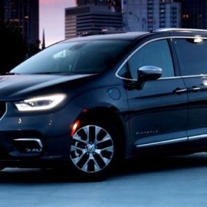 2021 Chrysler Pacifica Pinnacle Hybrid